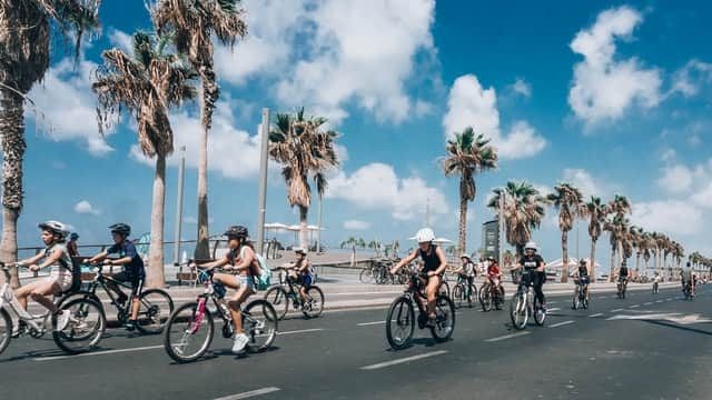 CYCLING IN TEL AVIV WITH KIDS