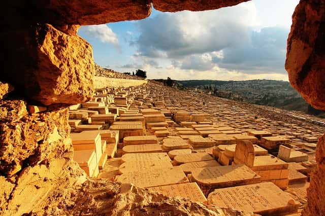 mount of olives burials